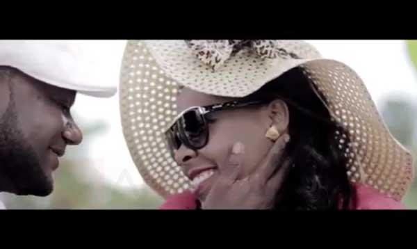 Serenad Twoubadou – Lanmou san parèy [Video Ofisyèl]